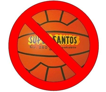 Flash mob e meme contro il sindaco Foti. Bocciata la sua ordinanza «Supersantos»